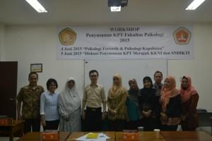 Foto Bersama Dosen Fakultas Psikologi Ubhara Jaya
